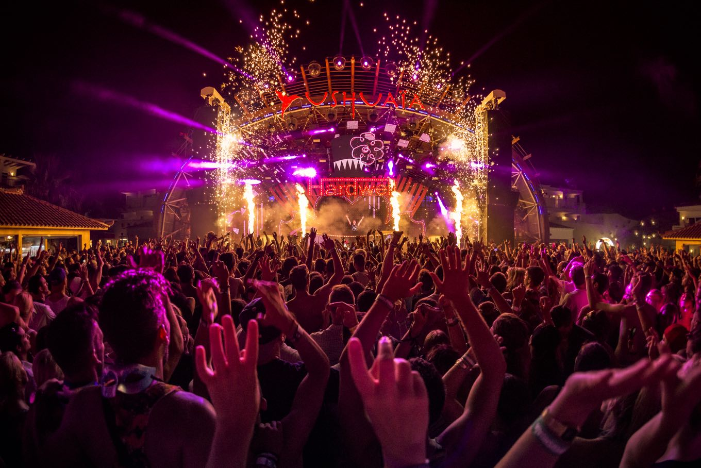 Ushuaïa Ibiza during Hardwell's set.