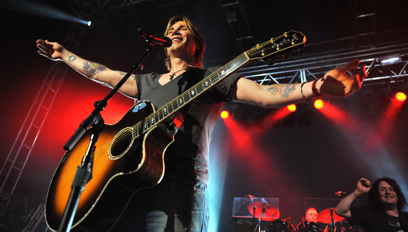 Watch the Goo Goo Dolls Live from Camden, NJ