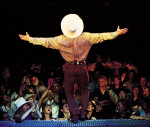 garth brook live in concert tickets from ticketmaster