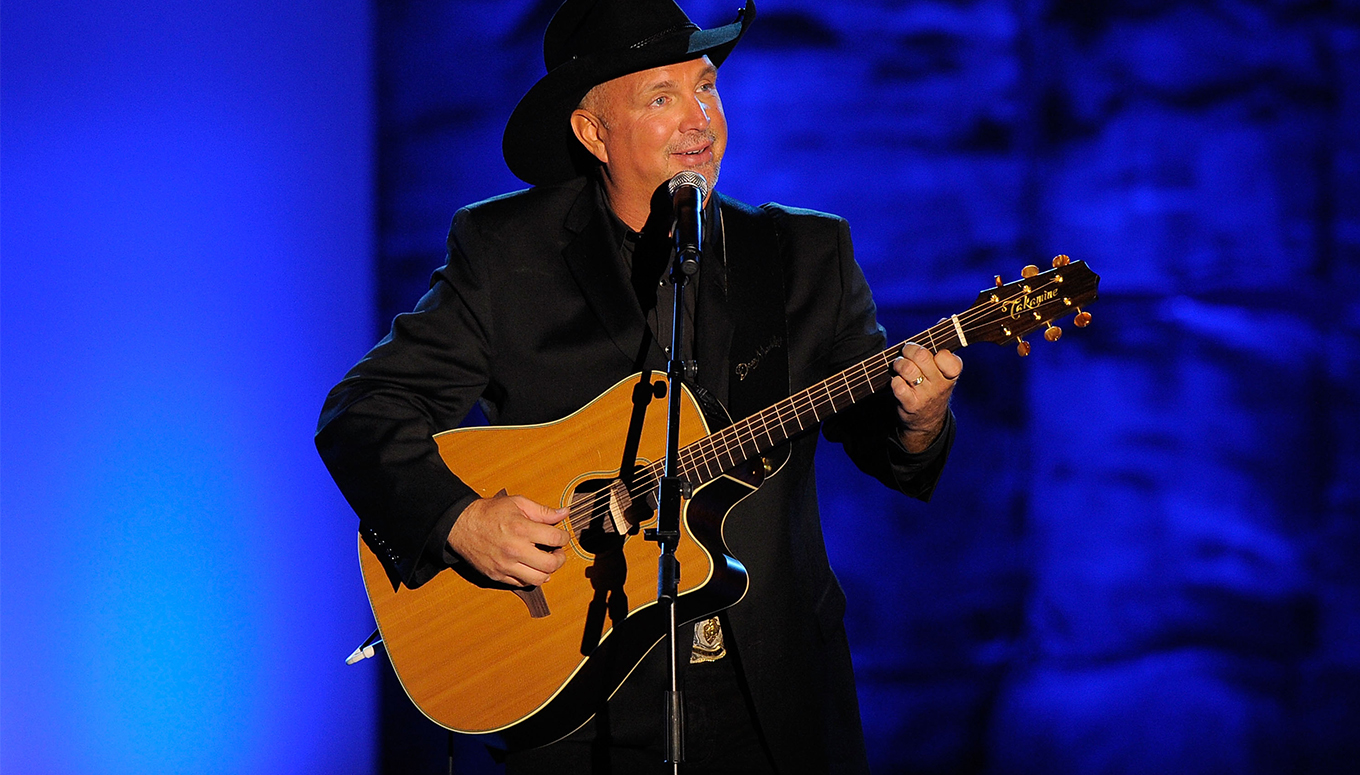 10 Garth Brooks Songs for the Country Music Fan