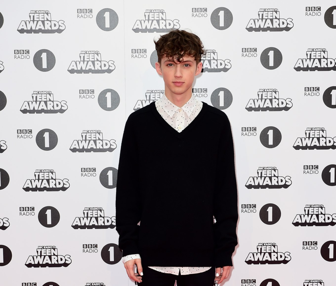 BBC Radio 1's Teen Awards - London. Troye Sivan arriving for the BBC Radio 1's Teen Awards, Wembley Arena, London. PRESS ASSOCIATION Photo. Picture date: Sunday November 8, 2015. (Photo by: Ian West/PA Wire/Press Association via AP Images)