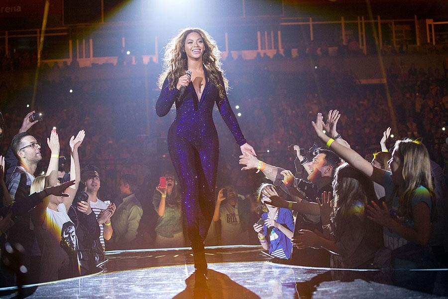 #FanArtFriday: Super Bowl Edition with Beyoncé