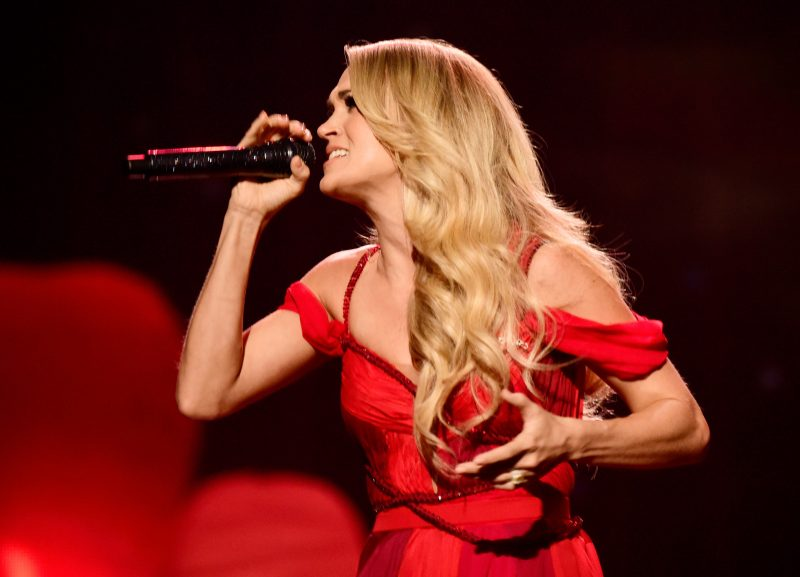 Singer Carrie Underwood performs onstage during the 2015 American Music Awards at Microsoft Theater on November 22, 2015 in Los Angeles, California. (Photo by Frazer Harrison/AMA2015/Getty Images for dcp)