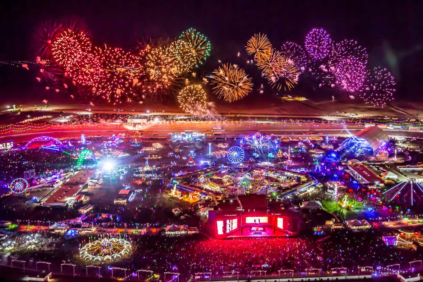 These photos compare nascar edc events at las vegas Las vegas motor speedway tickets
