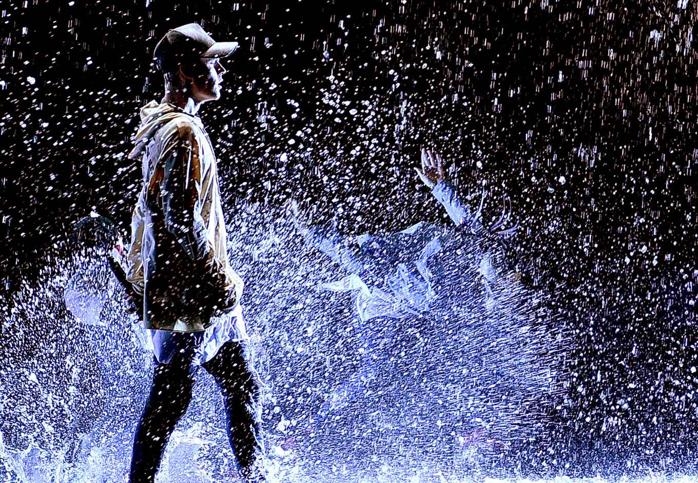 The 16 Best AMAs Performances Of All Time
