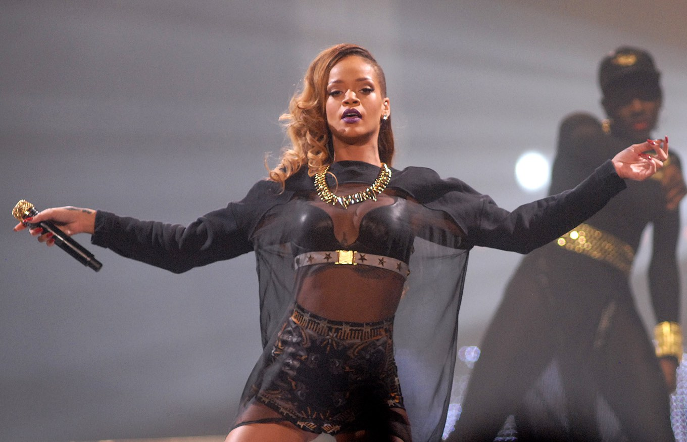 Rihanna, The Avett Brothers, Lil Wayne, Journey, & More On Sale