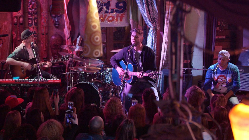 "Exclusive Performance: Brett Young ""In Case You Didn't Know"" (Live ..."
