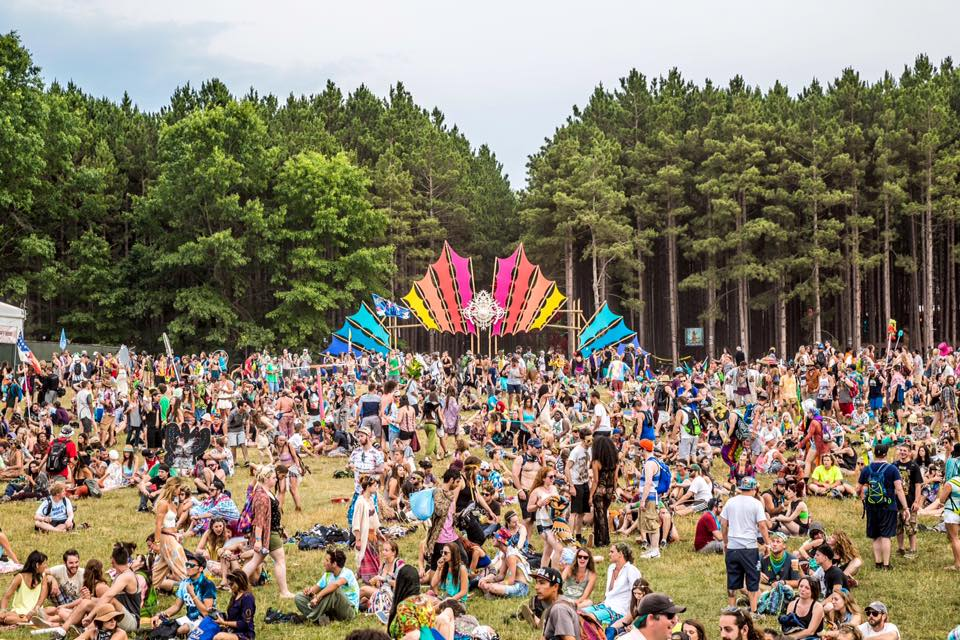 Camping Music Festivals – Comprehensive Guide & Packing List