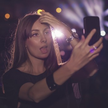 How to Survive a Concert Without Looking at Your Phone