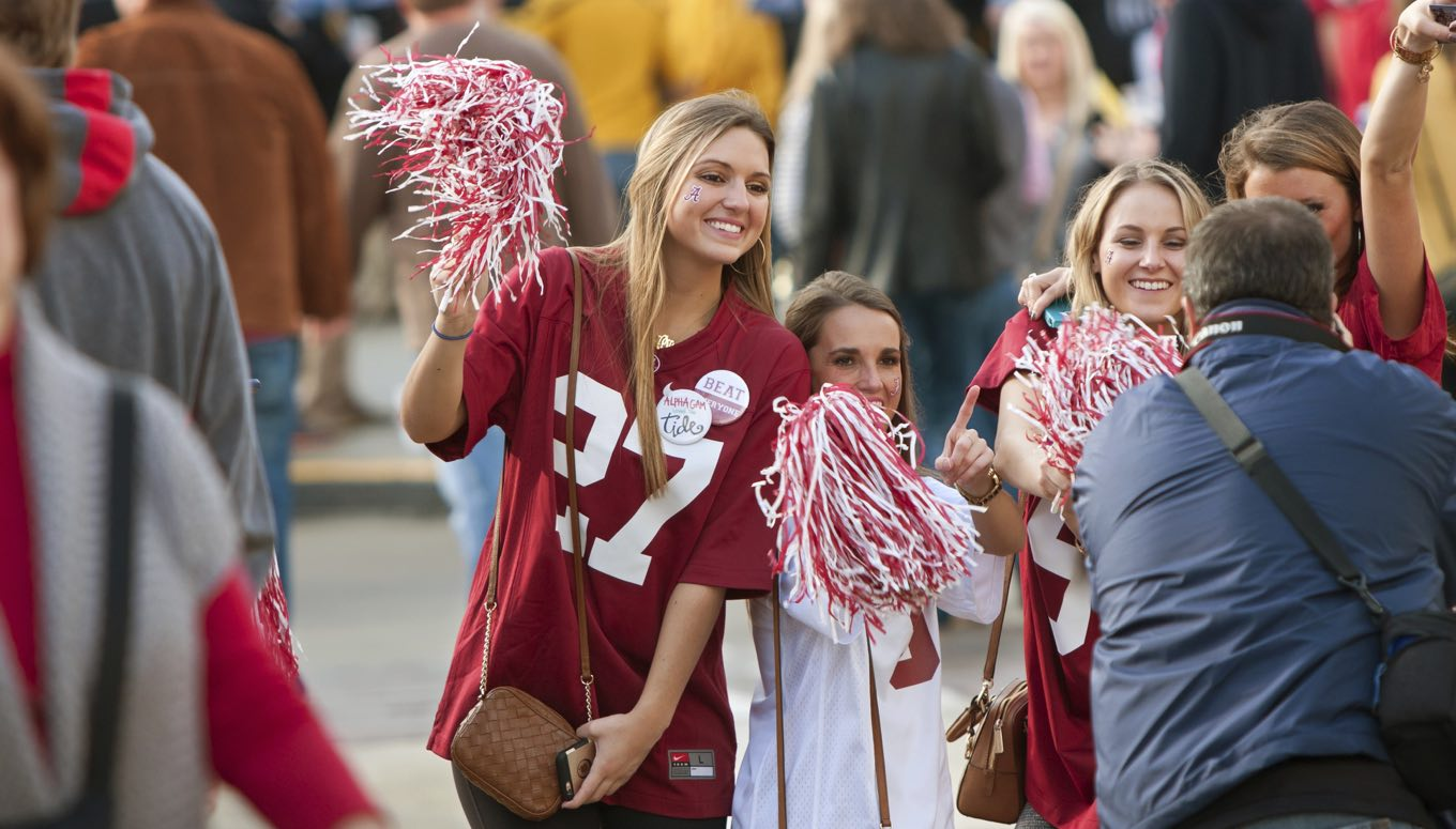 15 People You'll Meet Tailgating