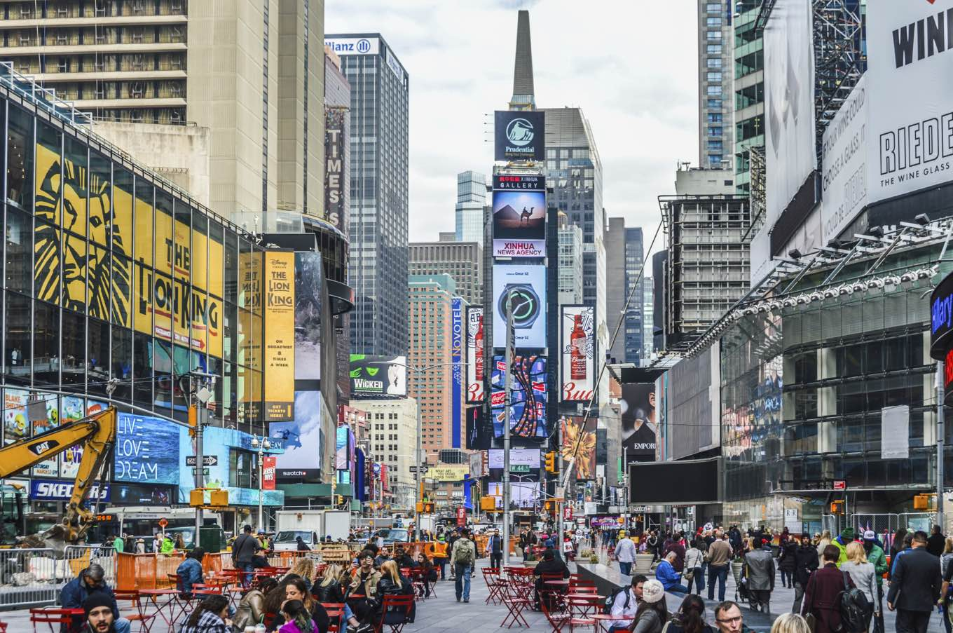 Beat the Broadway Crowds with These Tourist-Free Eats Near Times Square