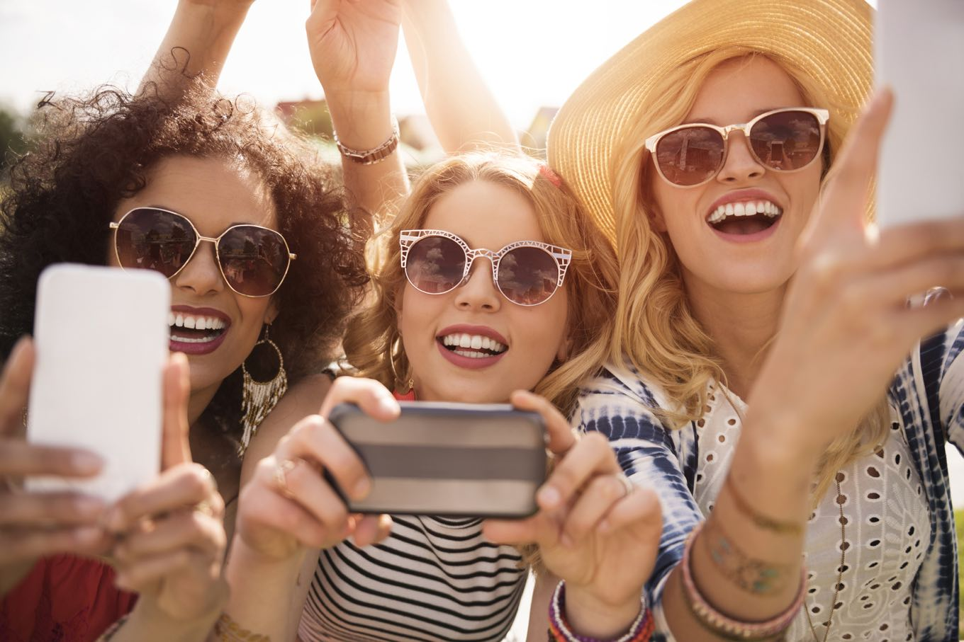 The Ultimate Sunglasses Guide for Outdoor Concerts & Music Festivals