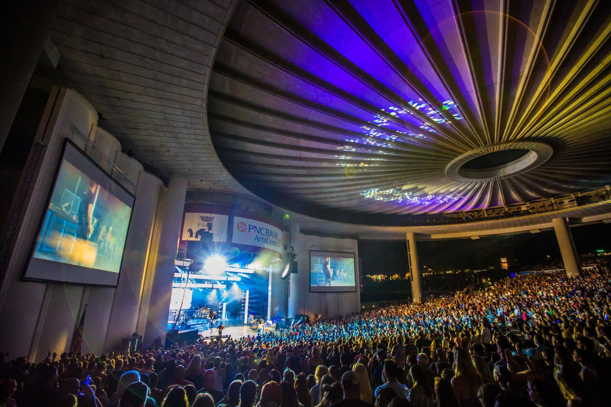 Pnc Bank Arts Center Christmas Lights 2020 Step Inside: PNC Bank Arts Center — Holmdel, NJ | Ticketmaster Blog